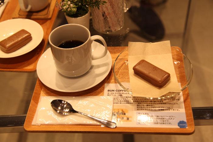 ティムタムとコーヒー