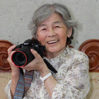 年齢の壁などない! クリエイティブな88歳おばあちゃんカメラマン・西本喜美子