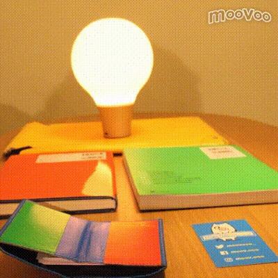 揉むと色が変わる不思議な照明「COLOR UP」