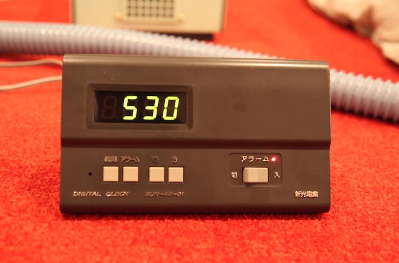 制御タイマーは元業務用らしいシンプルなデザイン。