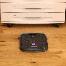 厚さわずか3.2センチ 家具下に潜り込む「超薄型ロボット掃除機」