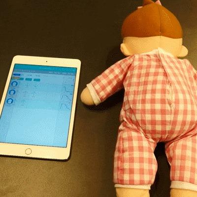 お昼寝中の赤ちゃんの安全を見守るIoT機器  『るくみー午睡チェック』