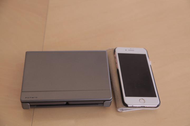 携帯や手帳と比較した図