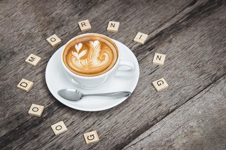 カフェをアートでアレンジ
