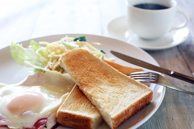 オーブントースターで美味しく仕上げられた朝食