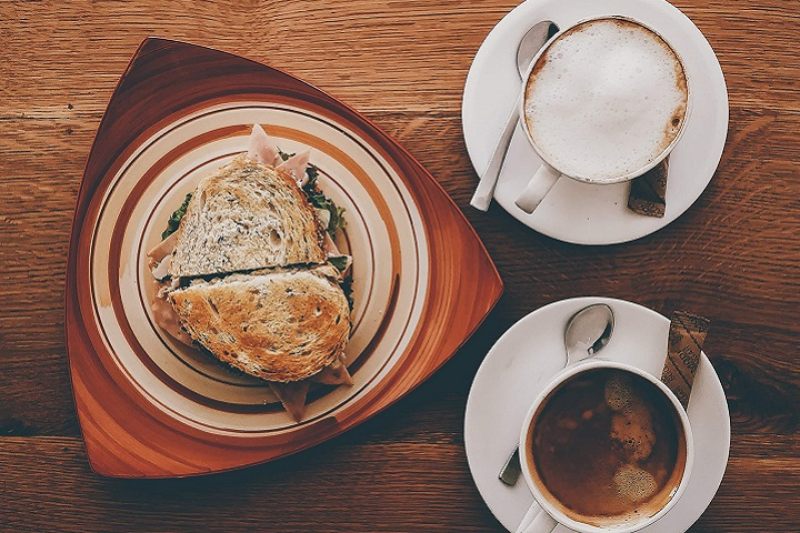好きな具材を挟んで毎日の朝食を楽しく!