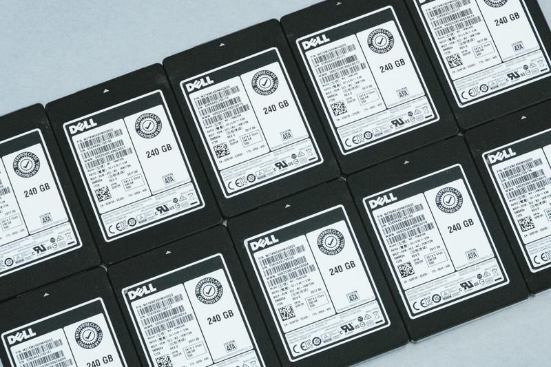 複数のSSDの写真