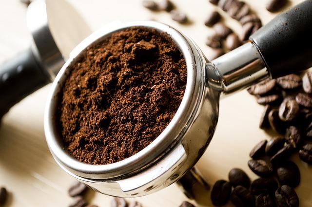 コーヒーを淹れる道具のイラスト