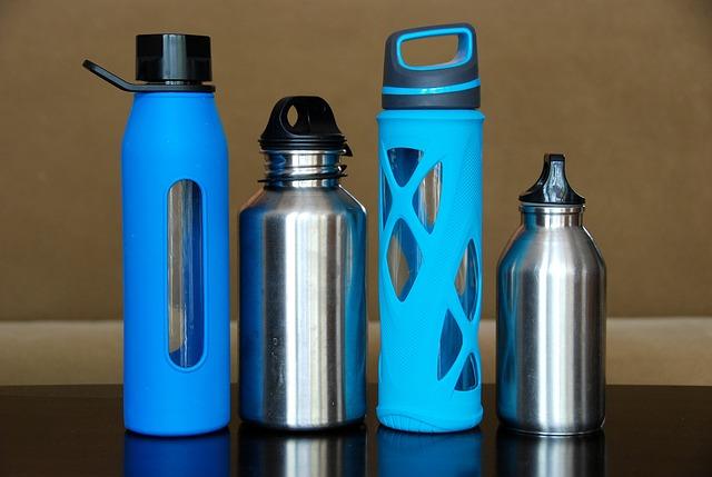ボトルの並んだ画像