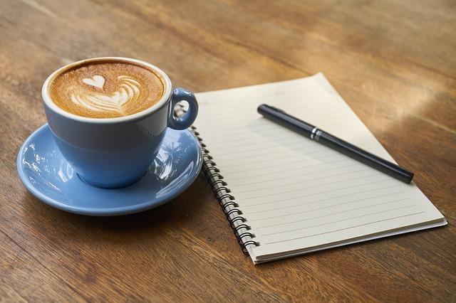 ペンとコーヒーとノート