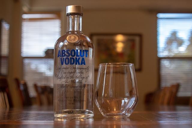 ウォッカボトル&グラス