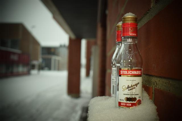 雪で冷やしたウォッカ