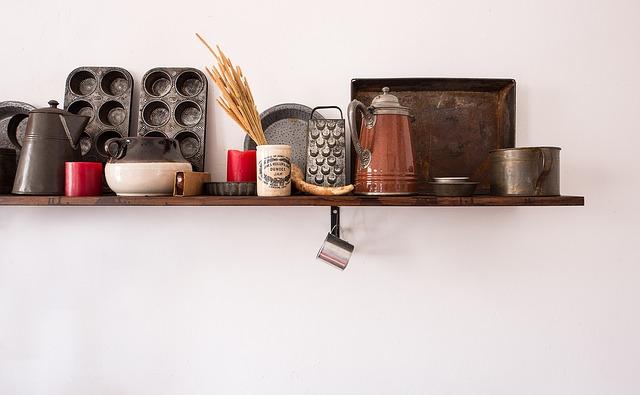 台所の棚の画像