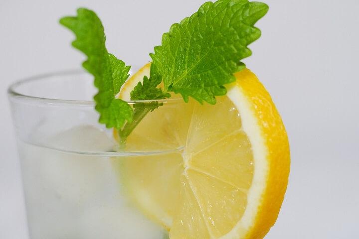 クララ(レモンソーダ+ビール)