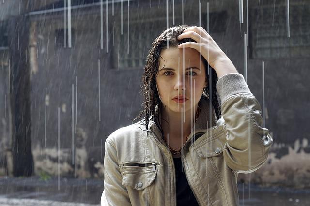 雨に降られている時のイメージ