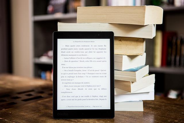 電子書籍と本の写真