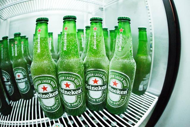 冷蔵庫で冷えたビール