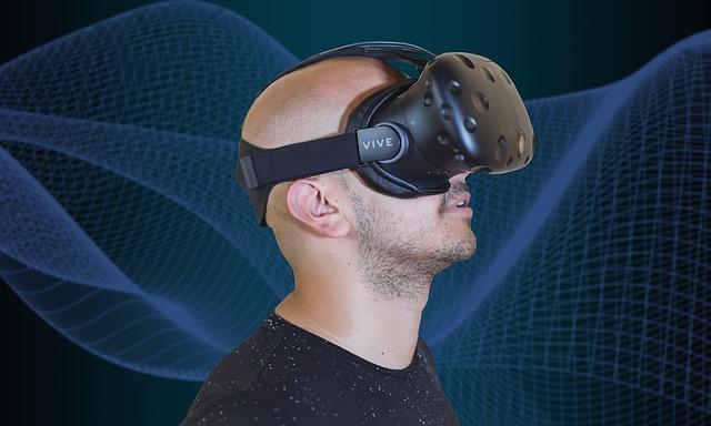VRゴーグルを装着する男性
