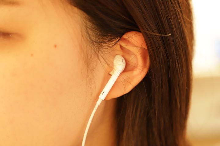 インナーイヤー型イヤホン(EarPods)
