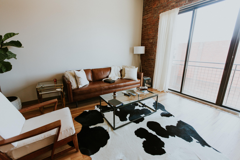 ソファのある快適な部屋