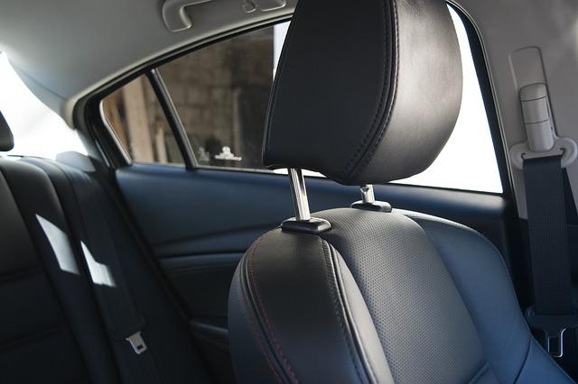 安全を確保する車のシート