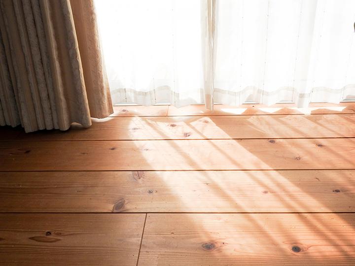 遮光カーテンがある部屋