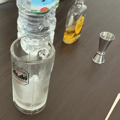 ウイスキーの水割りの美味しい作り方