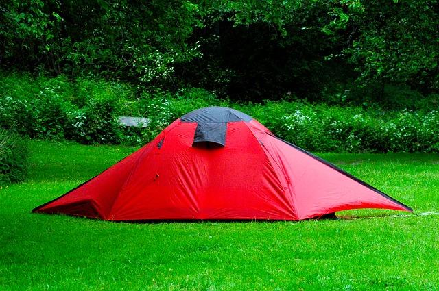 自然の中のテント
