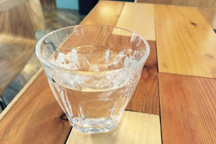 チェイサーの冷水