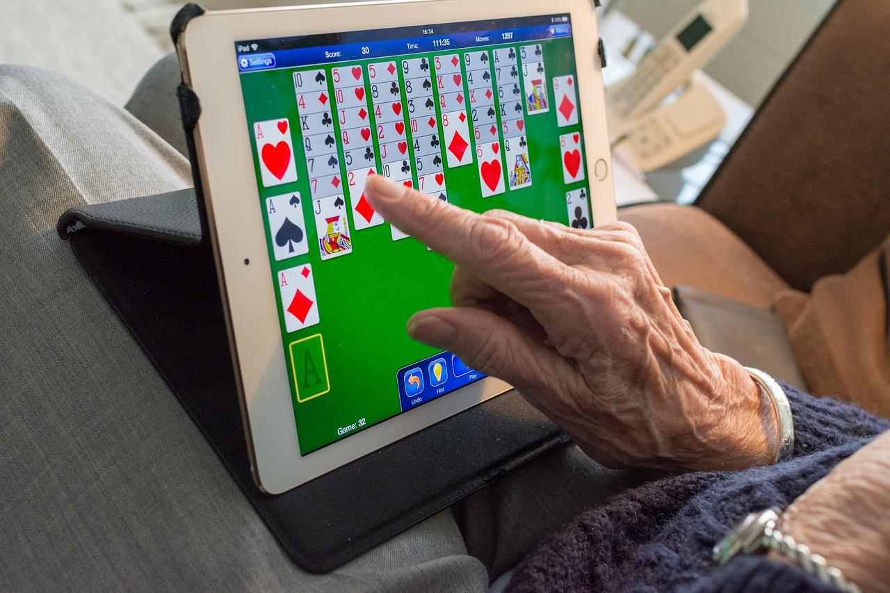 iPadでゲームをするイメージ