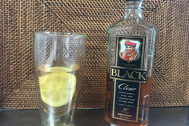 ウイスキーのお湯割りにレモン