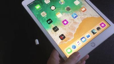ipadとApple Pencilを同期させている動画