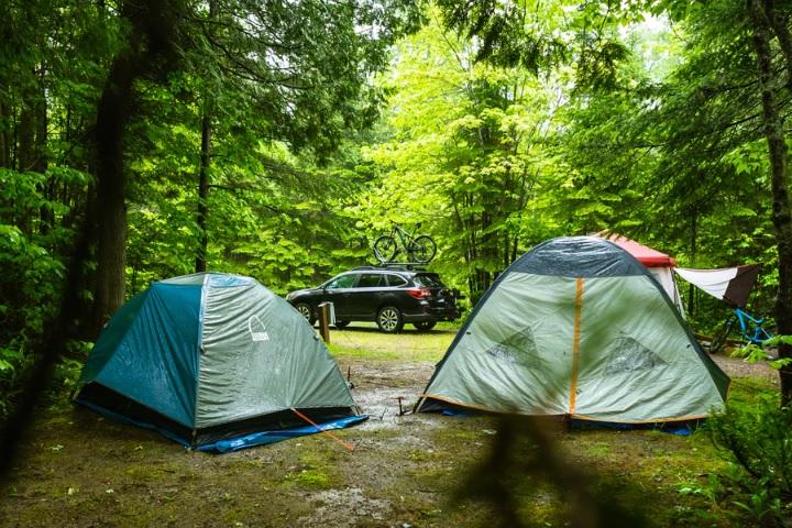 雨キャンプの画像