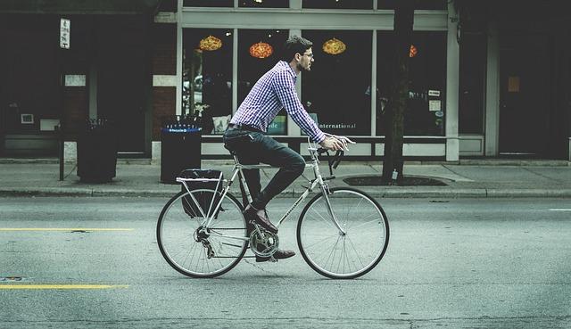 自転車に乗っているイメージ