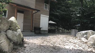 八風キャンプ場コテージ外観