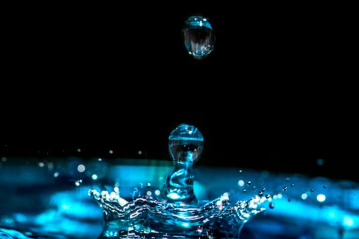 軟水と硬水のイメージ画像