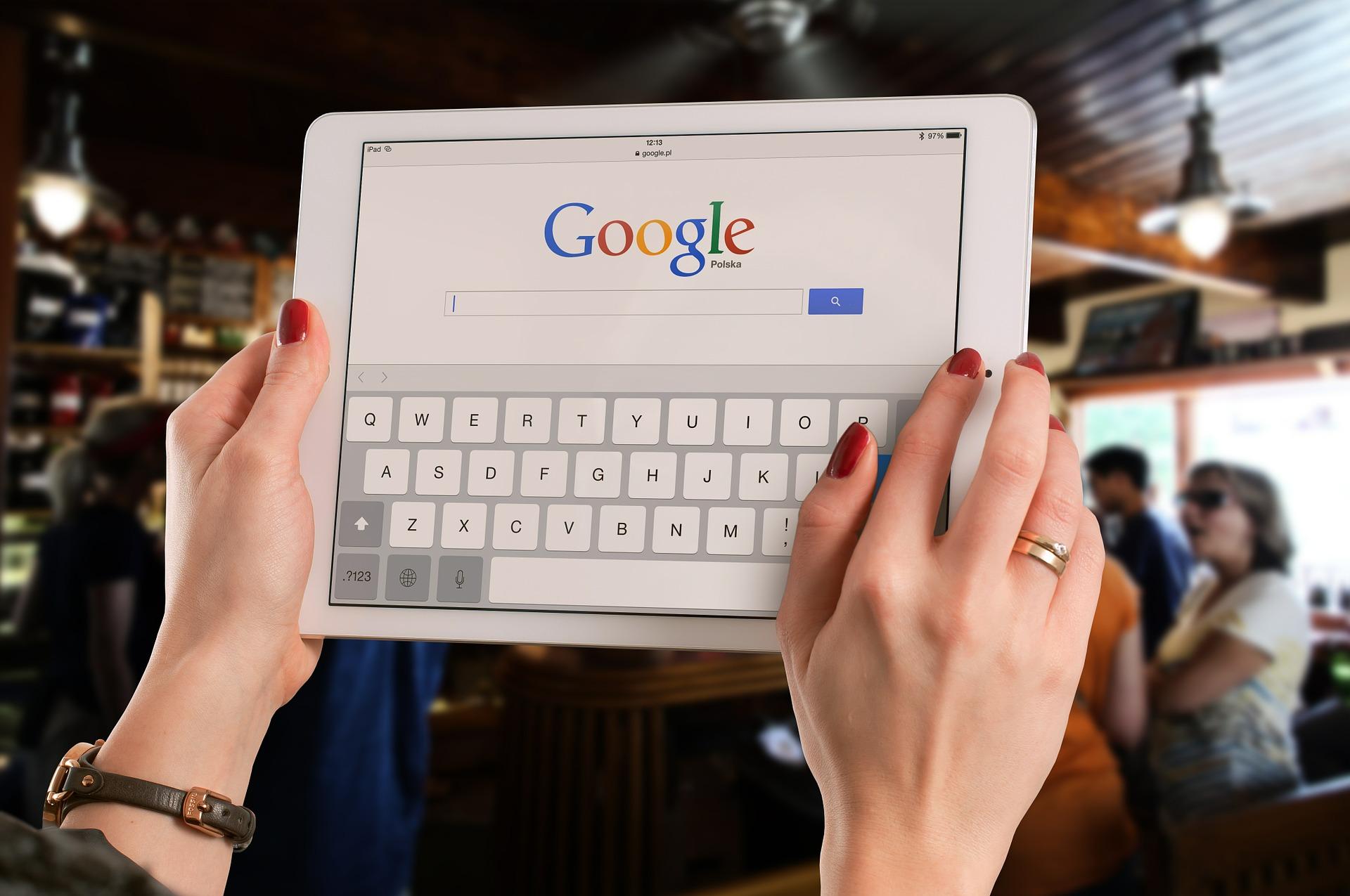 Googleで検索している画像