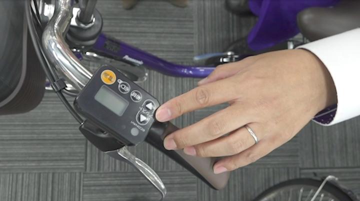 パナソニックの電動自転車についているシンプルな操作パネル