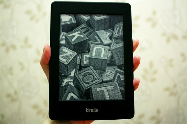 Kindle Paper Whiteの写真