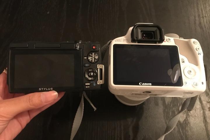 OLYMPUS STYLUS TG-870 ToughとCanon EOS Kiss X7本体の比較画像