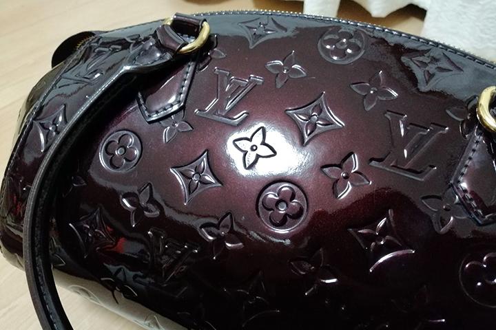ラクサスのバッグの表面の画像