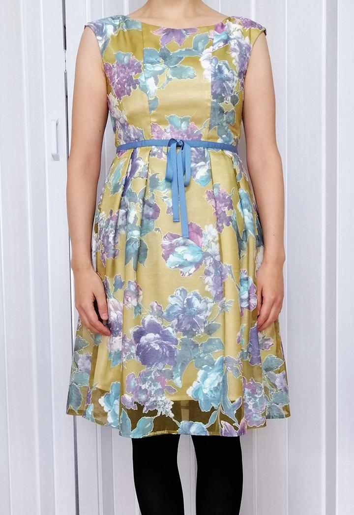 ブリスタ洋服着用の画像