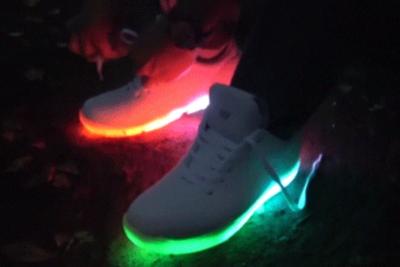 光る靴が新たな表現を生む? 『Orphe(オルフェ)』