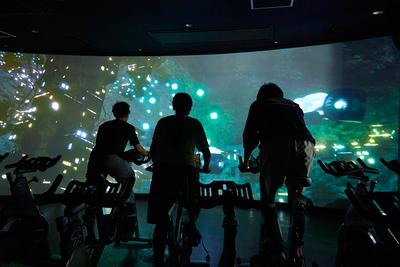 VR世界を疾走! 新感覚サイクルエクササイズ『THE TRIP』