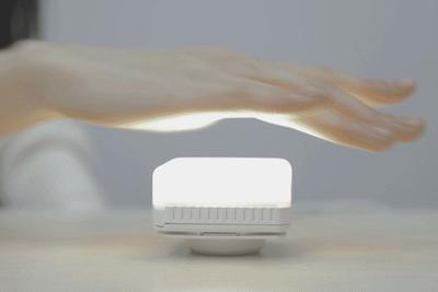 点灯したまま持ち運べる電球『LightCube』