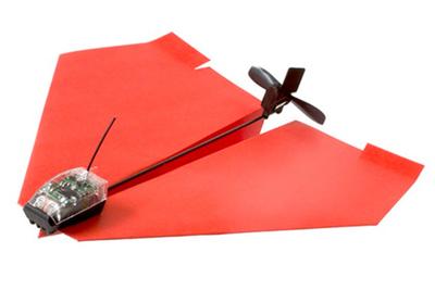 自分で折った紙飛行機が操縦できるように!?空飛ぶデバイス『PowerUp 3.0』