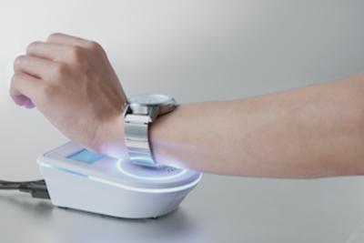 あなたの腕時計をスマートウォッチ化!『wena wrist(ウェナリスト)』