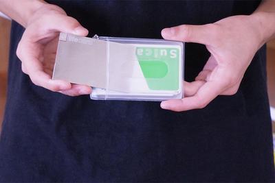 世界最薄クラスのモバイルバッテリー『LIFE CARD Lightning(ライフカードライトニング)』