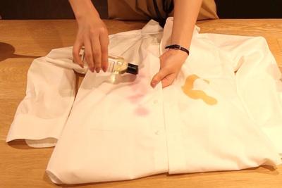 シャツに醤油や赤ワインが!1分でできるランドレスのシミ抜き!