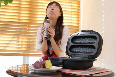 """皮は""""ぱりっ""""、中は""""ねっとり""""……自宅で本格焼き芋をつくれる「焼き芋メーカー」"""